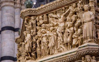 The amazing Crucifixion you must see in the visit to the Siena Cathedral