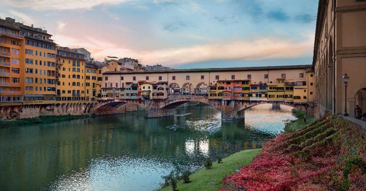 Guided tour to the mysteries of Ponte Vecchio in Florence