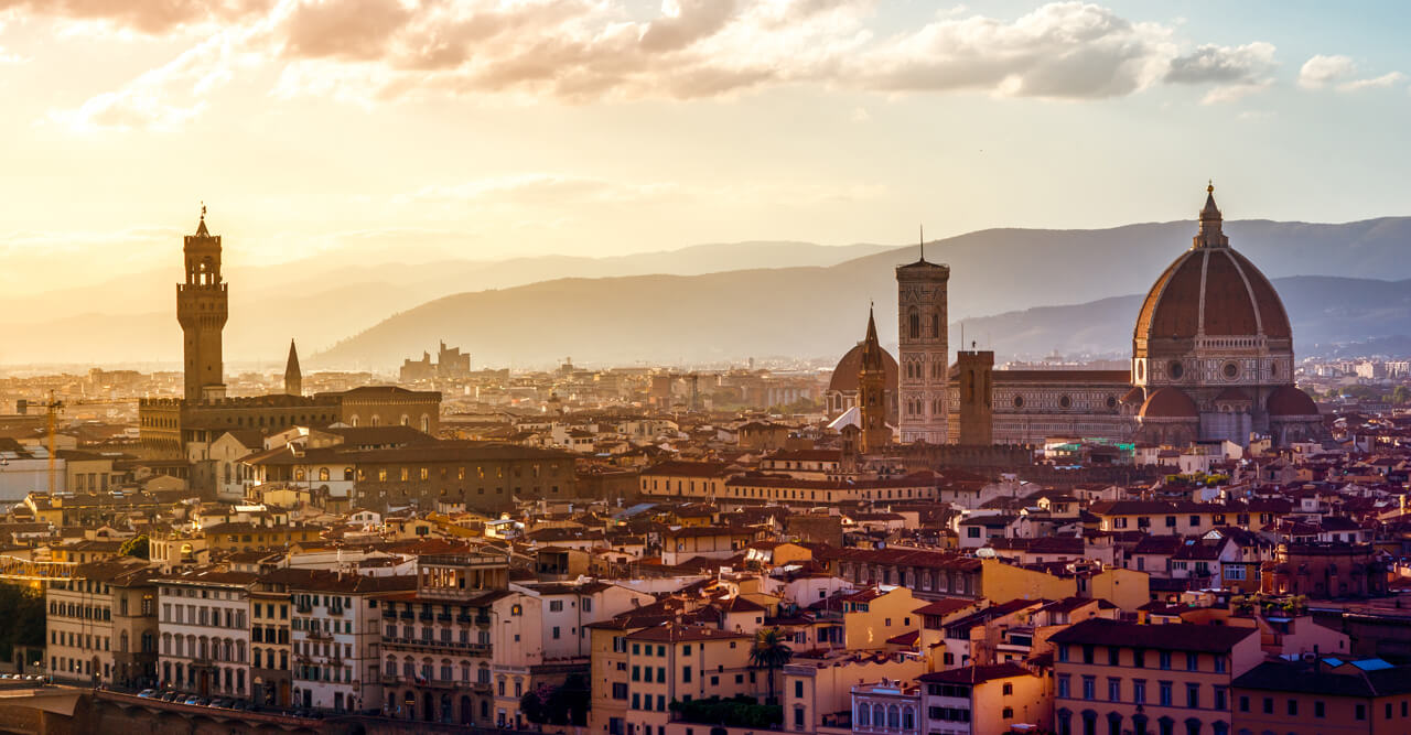 A website to book a guided tour of Florence and Siena